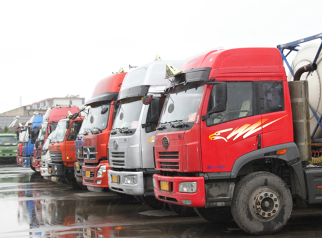 银川大型危化品运输车 银川危险品运输车辆